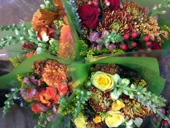 LOOSE BOUQUETS